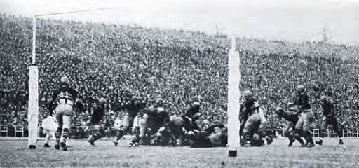 1924 Army Navy football game. Photo: Special Collections & Archives Department, Nimitz Library, United States Naval Academy.